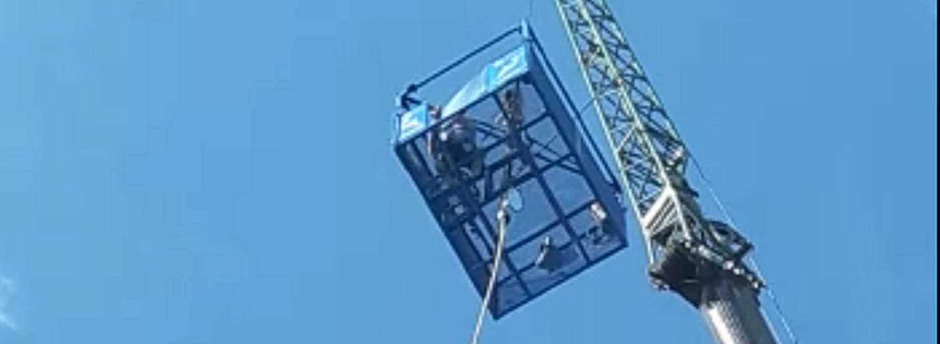 Bungee jumping 'Flying Sam' raises £1,300 for sensory decor at Forth View