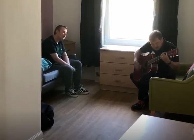 Talented Everyday Hero Gary enjoys jamming session with Rumbling Bridge resident Gavin