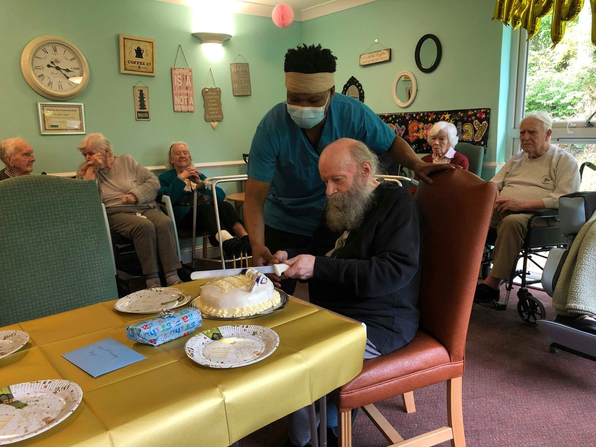 Resident Dougie celebrates turning 80 at Balhousie Pitlochry