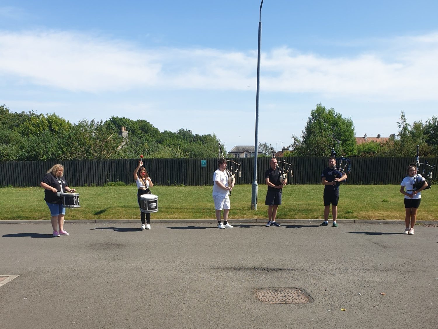 Glenrothes Pipe Band make special visit to Balhousie Forth View