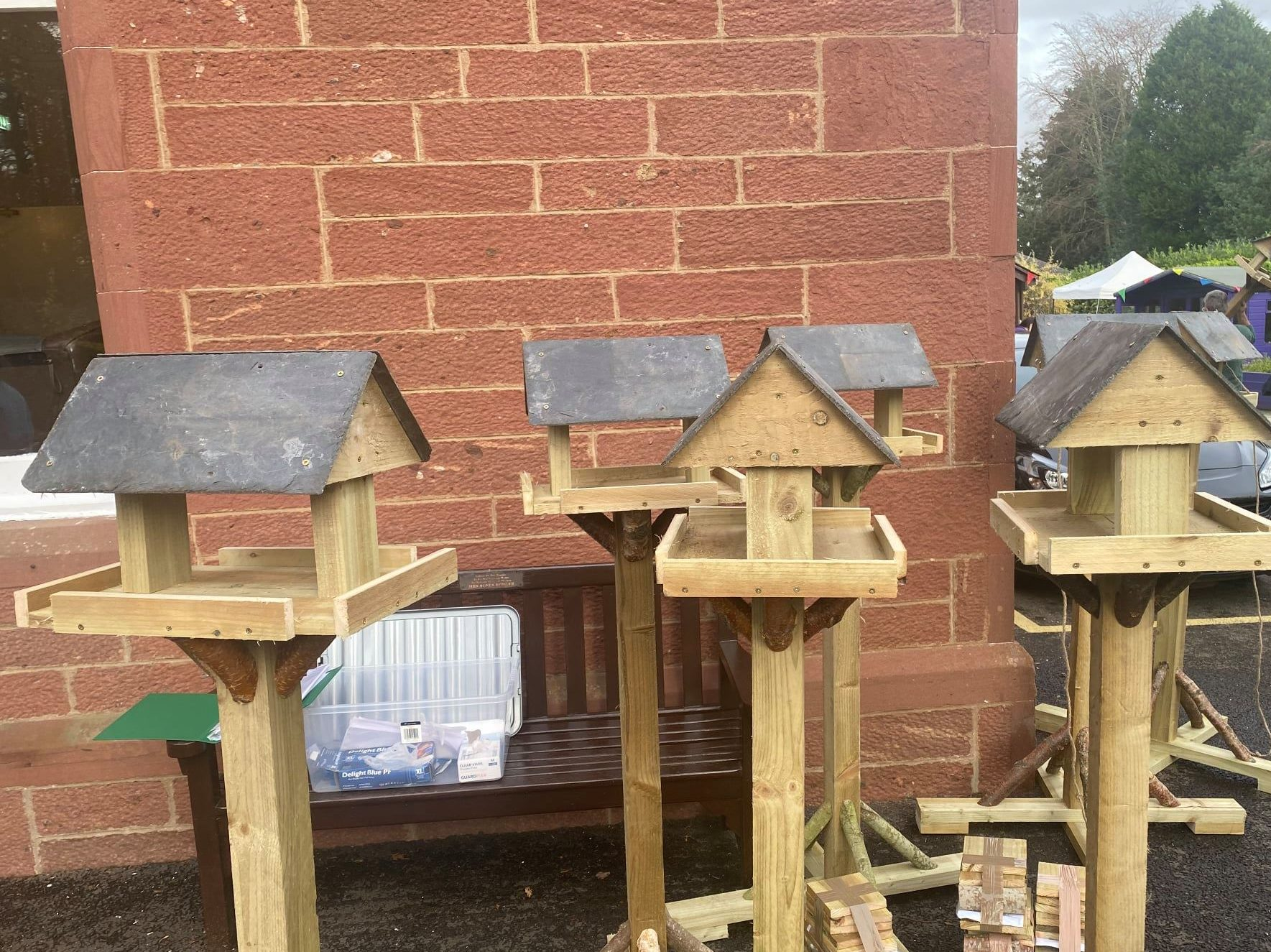 Lisden delighted to receive handmade bird feeders from local charity