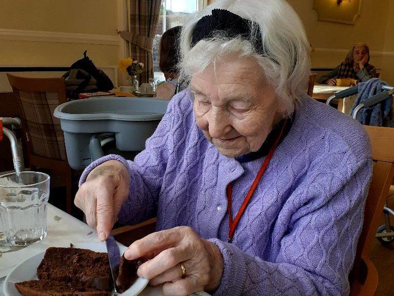 Avid baker Elizabeth bakes a local cake at Stormont Lodge